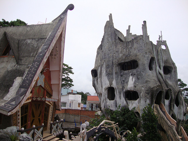 Hang Nga Guesthouse Balkony